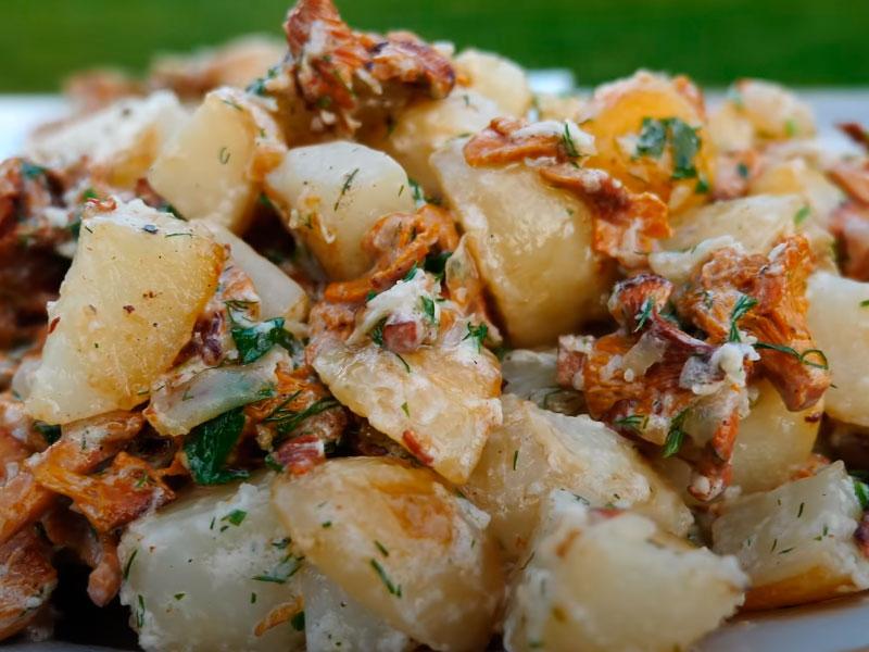 Картофель с лисичками